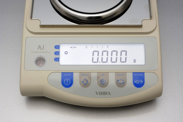 Laboratórna váha Vibra AJ-420CE