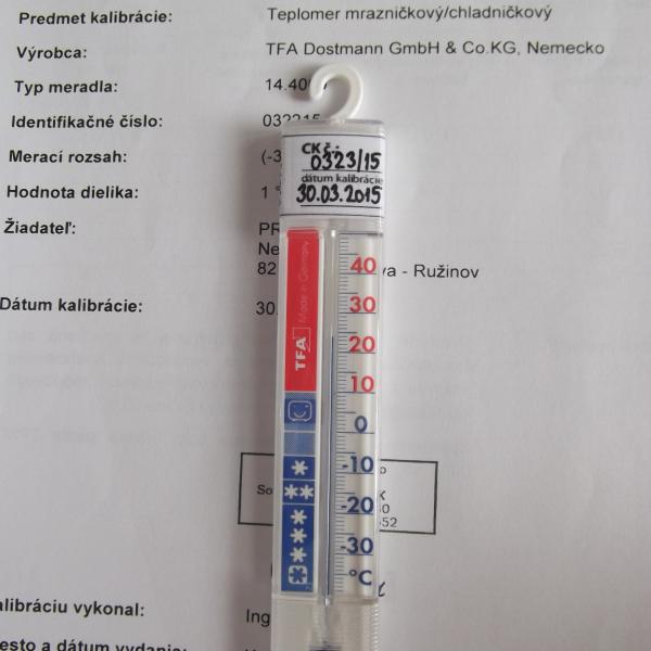 Teplomer vhodný do chladničky aj mrazničky kalibrovaný v -22, -20, -18, 2, 6 a 10 °C
