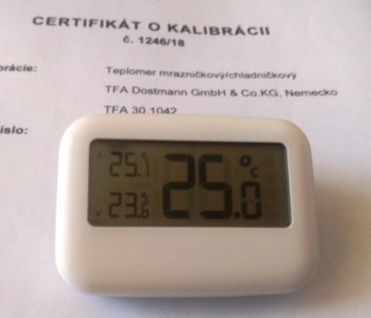 Teplomer min-max kalibrovaný do chladničky v bodoch 2, 6, a 10 °C